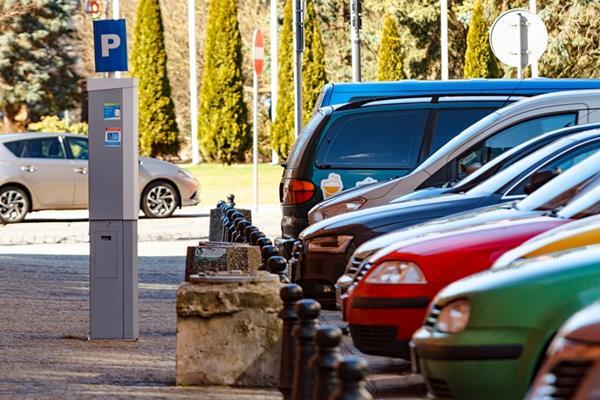 Parkowanie w Kołobrzegu będzie droższe - przegłosowali